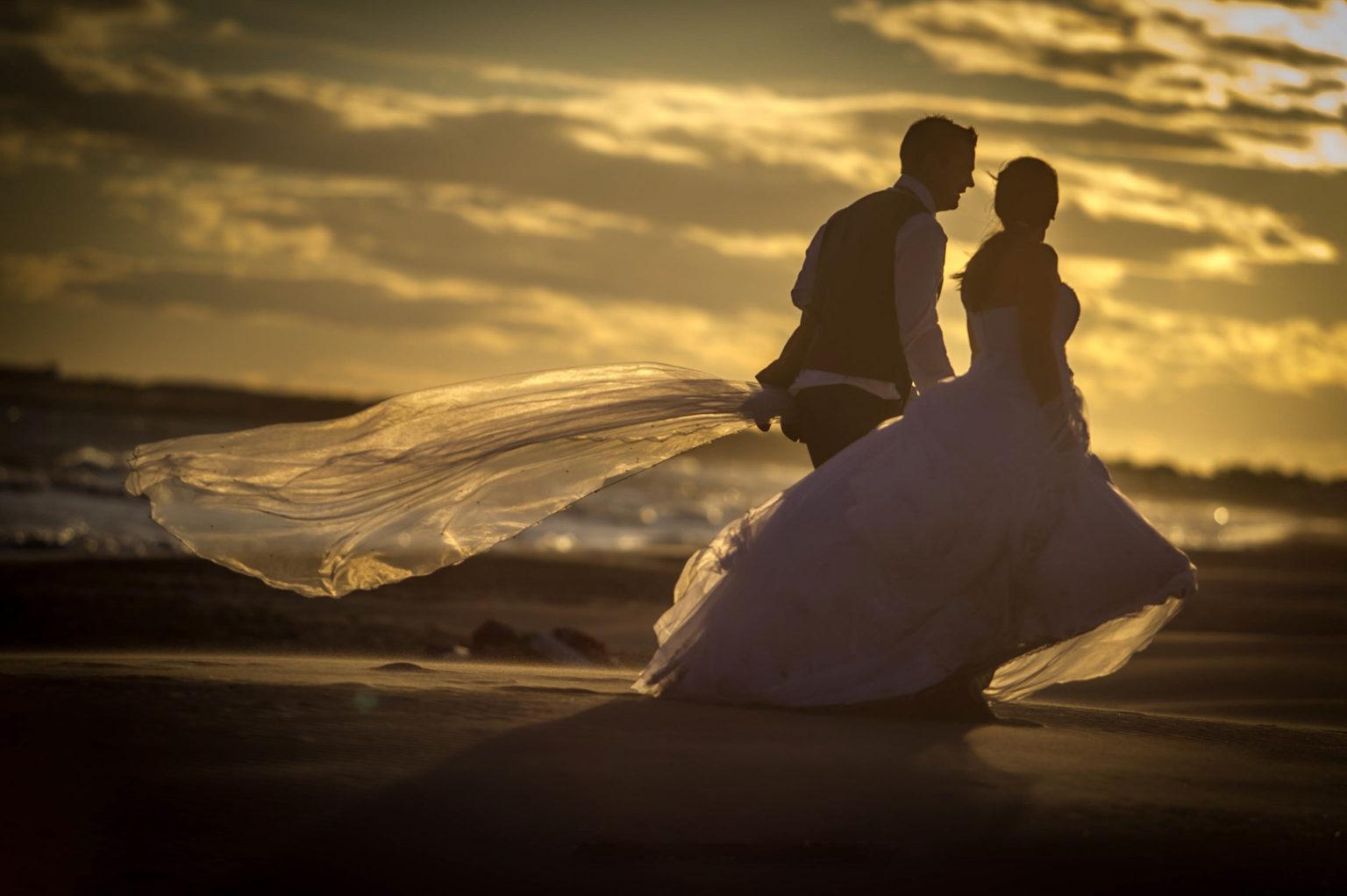 MARIAGE AU COUCHER DE SOLEIL